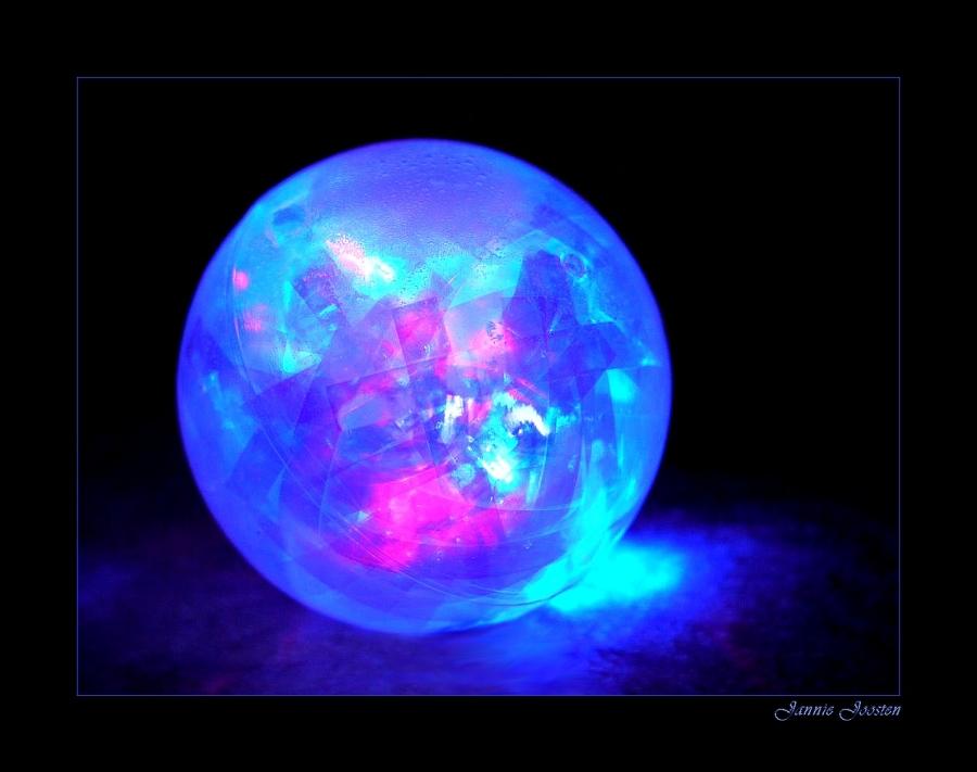 Stuiterbal Met Licht : Foto stuiterbal van janniejoosten