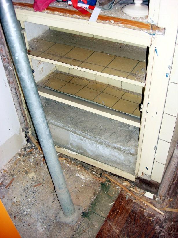 Super Foto De 30 jaar onder beton verborgen kluis. van Ariane AV27