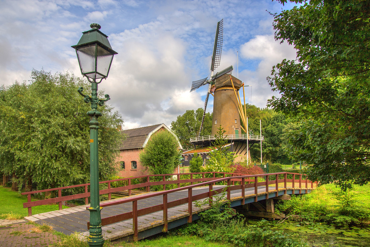 Foto loosduinse molen door JaapKampfraat