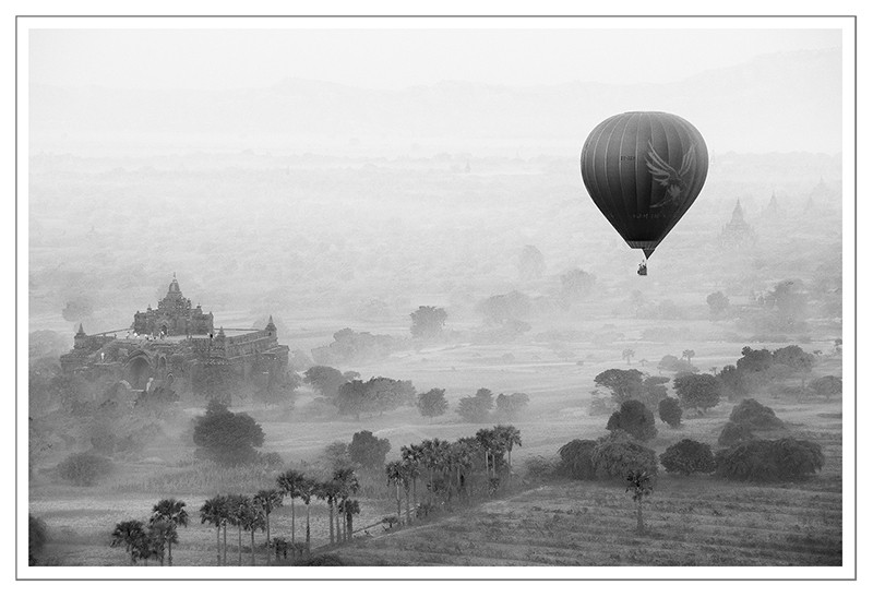 Foto Balloons over Bagan II door ElaineS