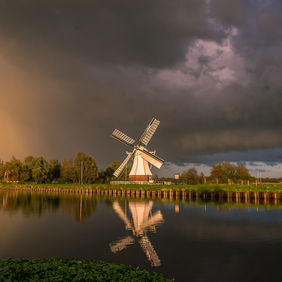 Foto When it's rains, look voor rainbows door Melvinjonker