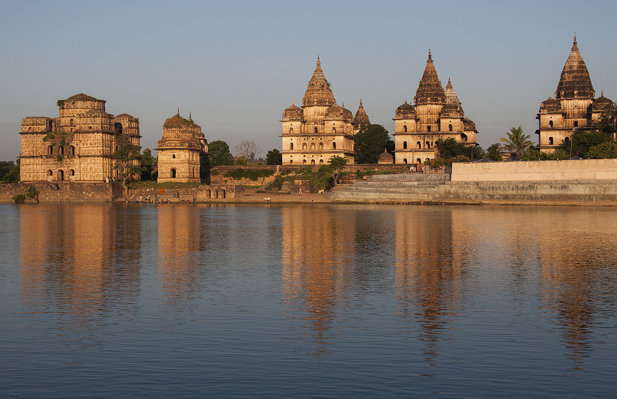 Foto Golden hour at Orchha door ElaineS