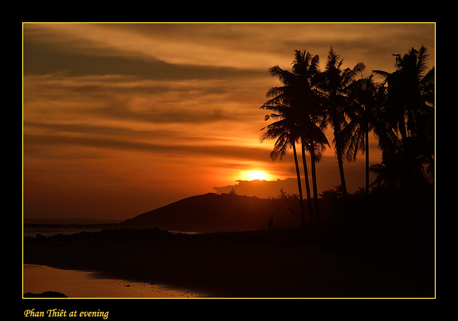 Foto Phan Thiêt at evening door Qpic