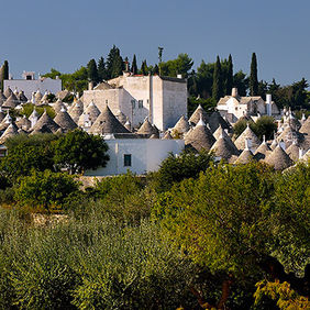 Foto Trulli in the distance door Qpic