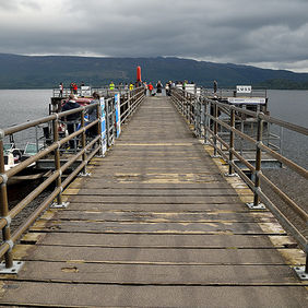 Foto Pier at Loch Lomond door Qpic